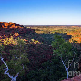 Kings Canyon panorama by Andrew Michael