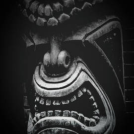 Sharon Mau - Ku Kii Tiki Hawaiian Culture Wood Carvings Demigods