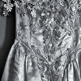 Catherine Melvin - Lace and Pearls