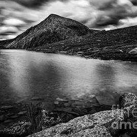 Adrian Evans - Lake Idwal Snowdonia