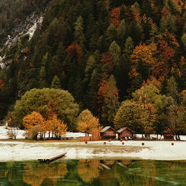 Saso Tusar - Lake in autumn