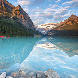 Lake Louise by Sergio Lanza