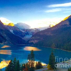 Susan Garren - Lake Louise Sunrise