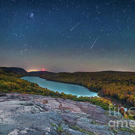 Norris Seward - Lake Of The Clouds and Falling Stars -1010