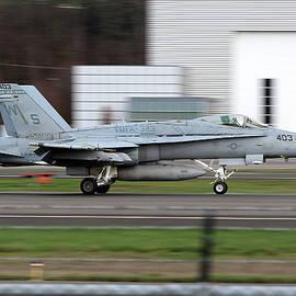 Landing Hornet by Huy Do