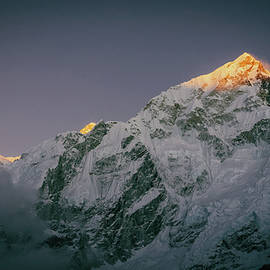 Yuka Ogava - Last Rays of Sunlight on Everest Peak