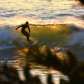 Dean Ferreira - Last Surf of the Evening