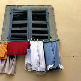 Laundry Day by KG Thienemann