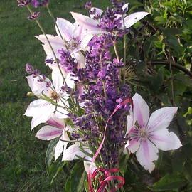 MaryAnn Mulder - Lavender bouquet