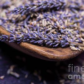 Jane Rix - Lavender in a wooden scoop