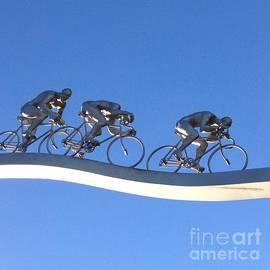 France Art - Le Tour Bleu