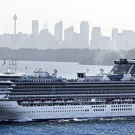 Miroslava Jurcik - Diamond Princess Leaving Sydney