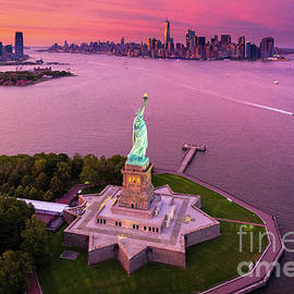 Inge Johnsson - Liberty Island Twilight