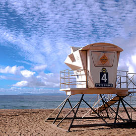 Lifeguard tower 4 by Kip Krause