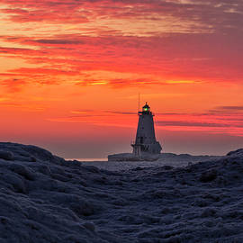 Kevin Kludy - Lighthouse at Dusk in the Winter