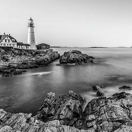Debbie Gracy - Lighthouse in Black and White