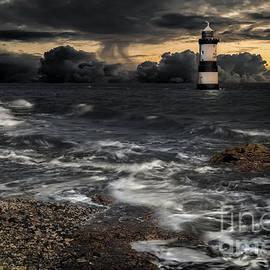 Adrian Evans - Lighthouse Storm