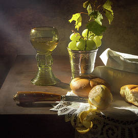 Levin Rodriguez - Little Breakfast with bread - grapes -peeled lemon