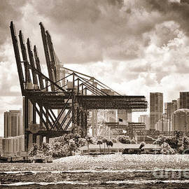 Rene Triay Photography - Loading Arms for Container Ships