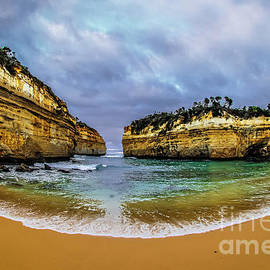 Howard Ferrier - Loch Ard Gorge