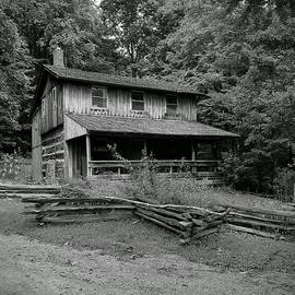 Michael Hills - Log Home Black and White