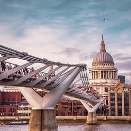 Marius Comanescu - London