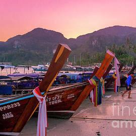 Thomas Levine - Long Boat Paradise