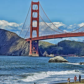 Looking The Golden Gate Bridge Facing towards the North by Jim Fitzpatrick