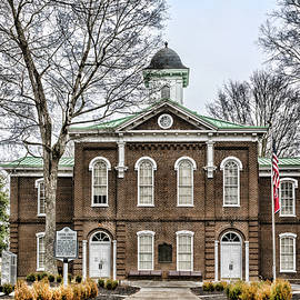Loudon Courthouse by Sharon Popek