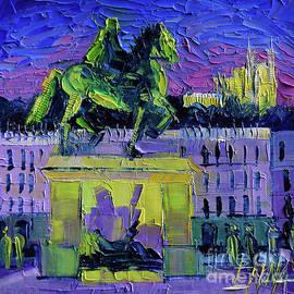 Mona Edulesco - LOUIS XIV - Bellecour square by night Lyon