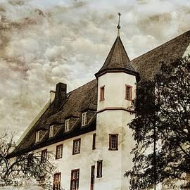 Constance Puttkemery - Ludwig Museum im Deutschherrenhaus