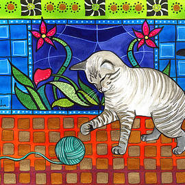Dora Hathazi Mendes - Lynx Point Kitten Smitten with Yarn