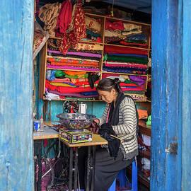 Lindley Johnson - Making Nepali Clothes
