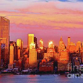 Regina Geoghan - Manhattan-Hudson River Sundown