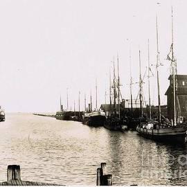 Tom Geiger - Manitowoc Harbor 1889 Or 1890