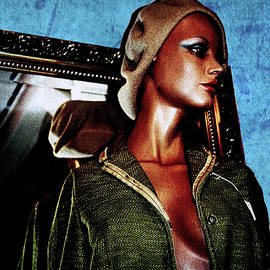 Colin Hunt - 10006 Mannequin Series 1 #9