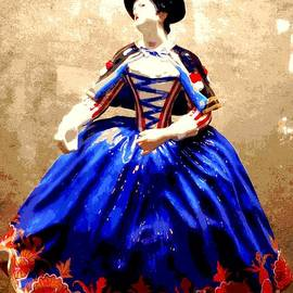 Michael Hoard - Marie Antoinette Figurine In New Orleans