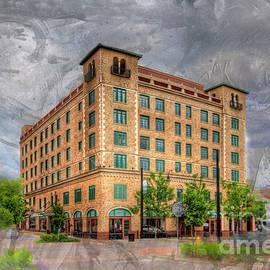 Larry Braun - Marquette Hotel
