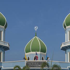 Masjid Hidayatussaligeen Dome And Minarets Dthcb0244 by Gerry Gantt
