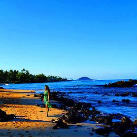Michael Rucker - Maui Sunrise on the Beach