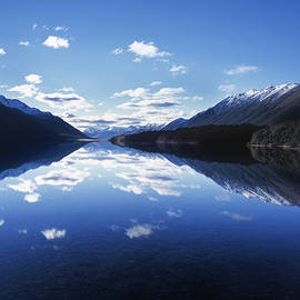 South Mavora Lake, Southland, New Zealand. by Maggie McCall