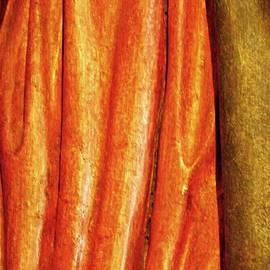 Sarah Loft - Medieval Folds 8