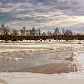 Jukka Heinovirta - Melting Ice On The River