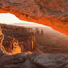 Mesa Arch Sunrise 5 - Canyonlands National Park - Moab Utah by Brian Harig