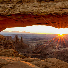 Brian Harig - Mesa Arch Sunrise - Canyonlands National Park - Moab Utah