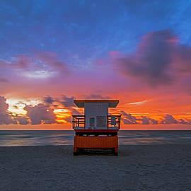Miami Beach 8788 by Steve Lipson