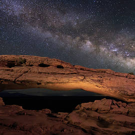 Johnny Adolphson - Milky Way above Mesa Arch.