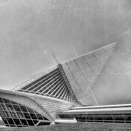 Milwaukee Museum Of Art Special 2 by David Haskett II