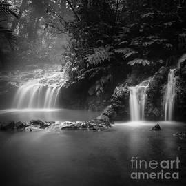 Mini waterfall  by Dika yudha Rio p