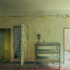 Minimalist Atmosphere Iii - Atmosfera Minimalista Iii by Enrico Pelos